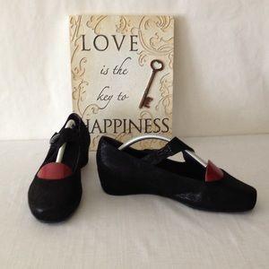 Vaneli Shoes - Van eli Wedges 9WW
