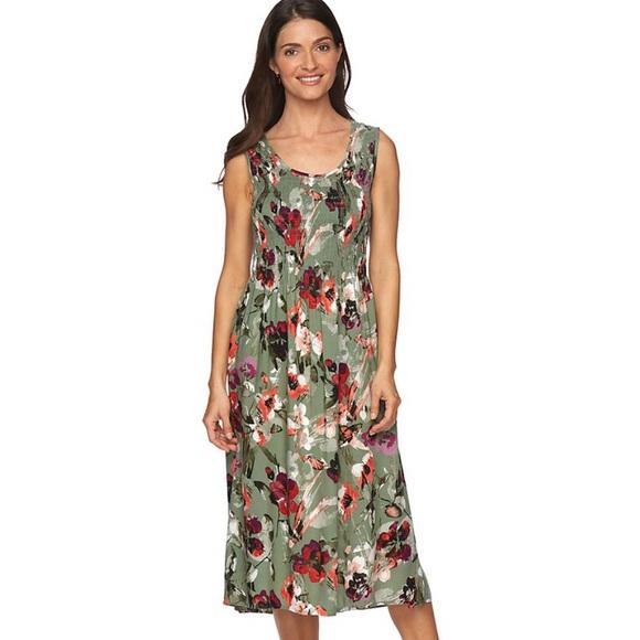 76bbe76cef5 Women s Green Floral Printed Challis Midi Dress