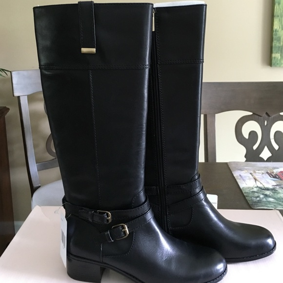 db983c731788 NWT black Bandolino boots