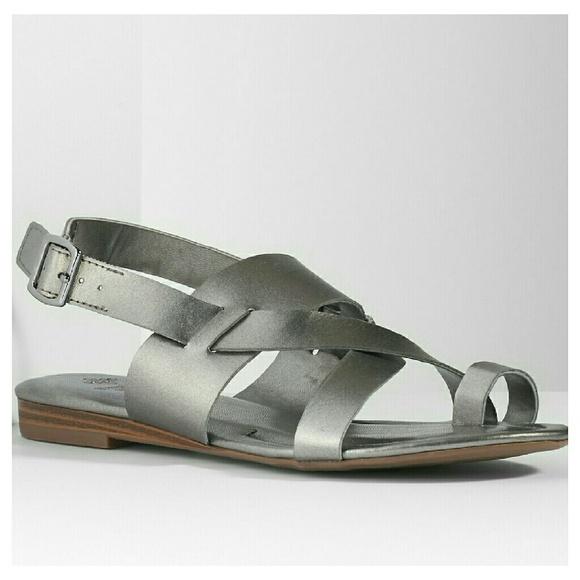 ca9e2e48f27112 Simply Vera Silver Sandals. M 57cb8641fbf6f971be00575c