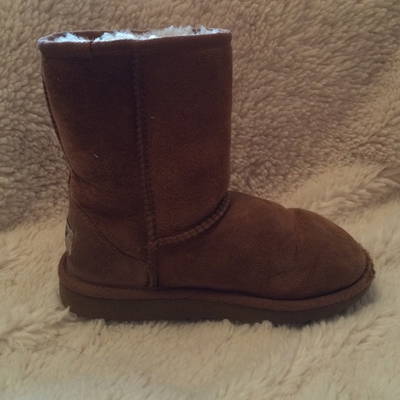 uggs youth size 1