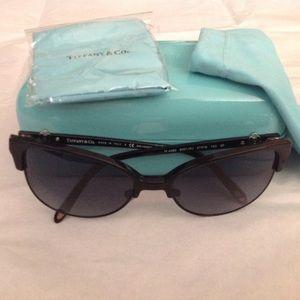 Tiffany & Co. Accessories - Tiffany & Co Cat Eye Sunglasses