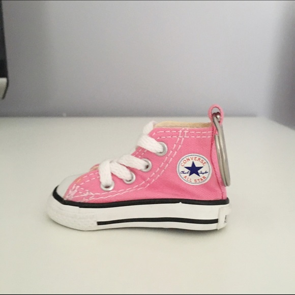 cd6e4e393e81c6 Converse Other - Converse All-Star Chuck Taylor Shoe Keychain