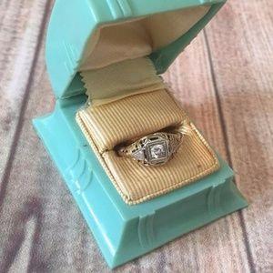 Vintage deco 30s 40s engagement diamond ring