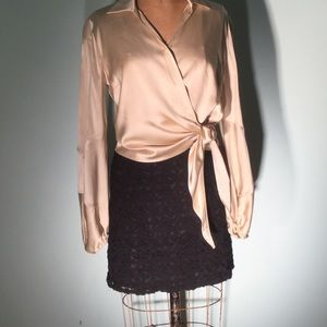 Willi Smith Dresses & Skirts - Willi Smith black lace appliqué mini/brass zipper