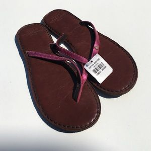 Abercrombie & Fitch Shoes - Abercrombie & Fitch Pink Metallic Flip Flops NWT