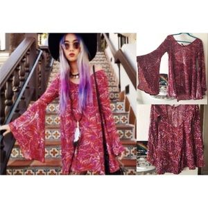 gypsan paisly bell sleeve boho dress