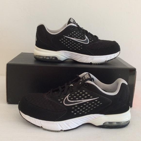 fdcfe8c484cb NIKE Air Miler Walk 2 Shoes. M 57b3a9526a5830721b0b324f