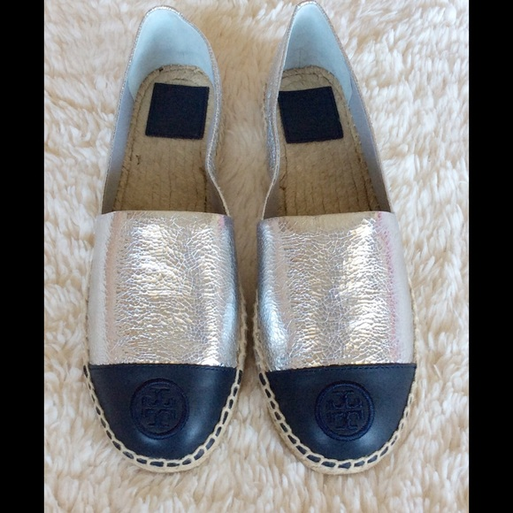 c780690c7fd TORY BURCH COLOR-BLOCK SILVER TORY NAVY ESPADRILLE
