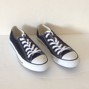 Converse Black Allstar Sneakers 7 Mens 9 Womens