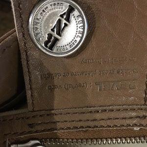 Bags - Tan purse