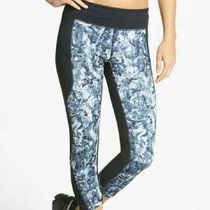Zella Pants - Zella 'Live In - Perfect Run' Print Capris