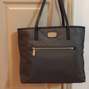 NWT Michael Kors Montauk Large Tote Silver