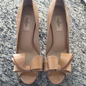 Valentino Couture Bow Platform Pump Beige