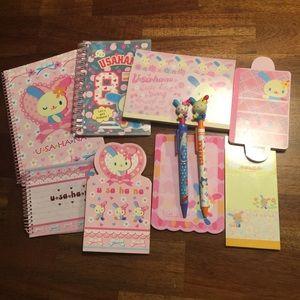Sanrio Hello Kitty Usahana Note Pad Bundle