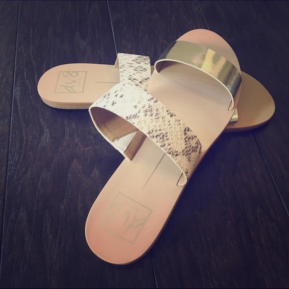41 Off Dolce Vita Shoes Dv Jovie Two Strap Slide Sandal
