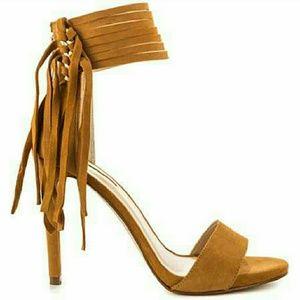 NWOT........Tan fringed heels