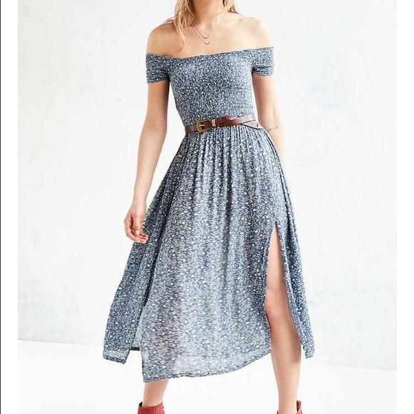 c1172f980 Kimchi Blue Dresses & Skirts - Kimchi Blue Off-Shoulder Smock Top