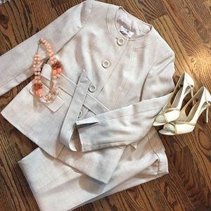 Le Suit Other - Light tan two-piece LeSuit suit