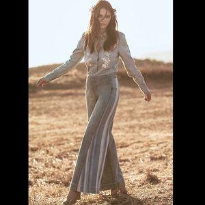 Free People medium blue Sea to Sea  Flare Jeans 27