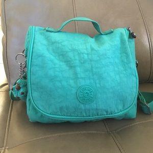 Kipling cross body lunch bag. Green color