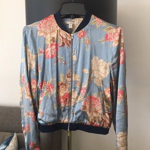 Zara Jackets & Coats - Zara Printed Satin Bomber Jacket, size Medium