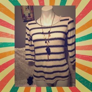 Tops - 💕Hi-Lo asymmetrical knit sweater💕