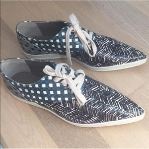 Marc Jacobs Shoes - 🎉🎈HP🎈🎉Marc Jacobs Oxfords (NWOT)