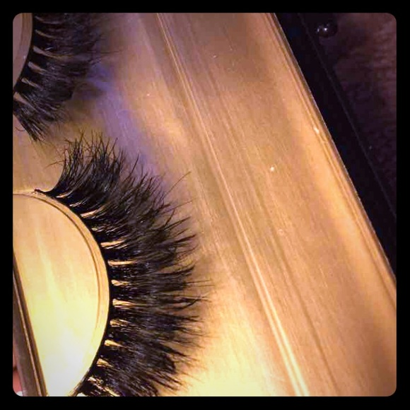 Makeup Mink Fluttery Lashes Most Wanted Poshmark