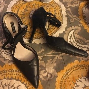 Strappy black leather pointed toe pumps Xoxo 7.4