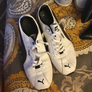Black white Puma tennis shoes 7.5 women's