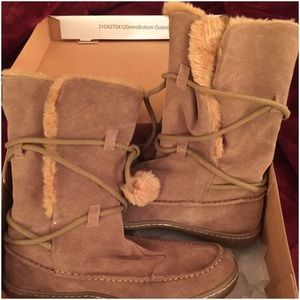 Steve Madden Suede mid calf boot