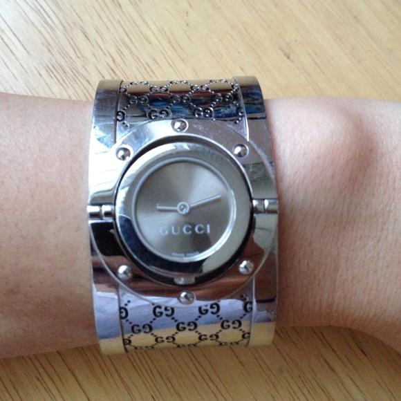 c4be4fd3f4e Gucci Accessories - 🎉JUST REDUCED🎉 GUCCI Silver Twirl Bangle Watch