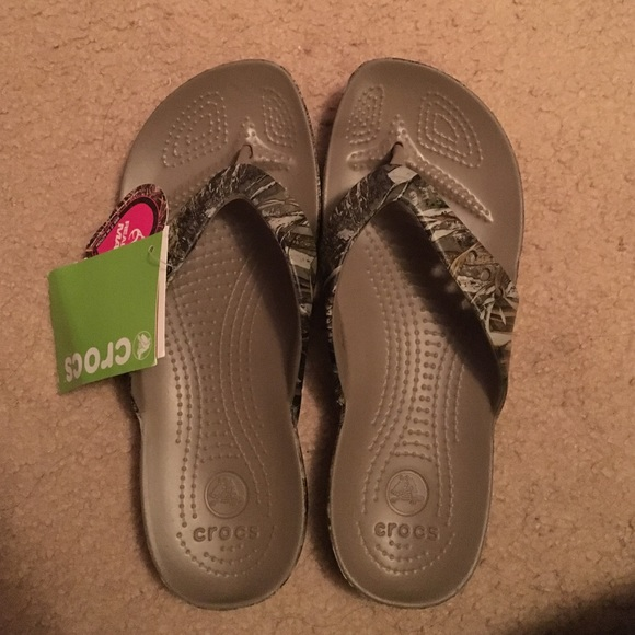 5ed9ef93d94 Realtree flip flop relaxed fit. Womens 9