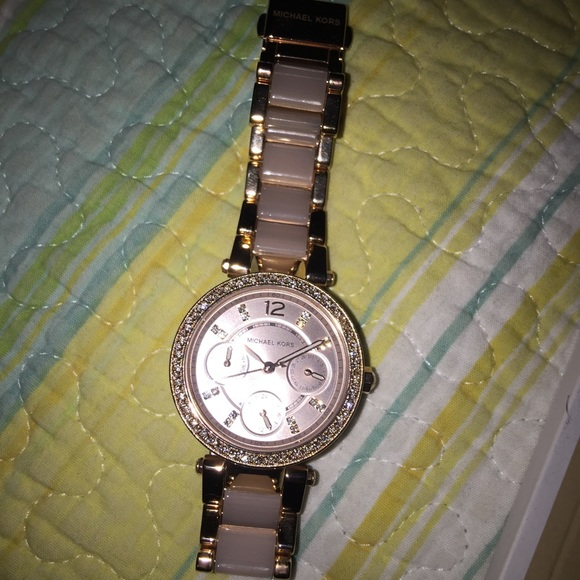 268551ad13ac Michael kors watch model mk6110 authentic. M 57b5360b7fab3a0cc10087b2