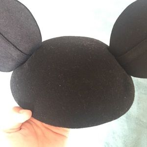 d5bc2aa091b68 Accessories - Mickey Mouse Beret Hat