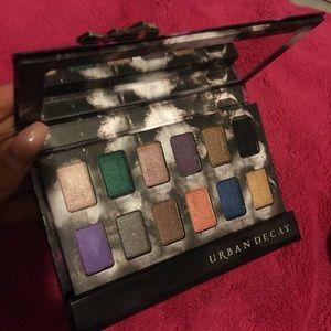 SALE ! Urban Decay Shadowbox Palette