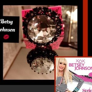🦋Betsy Johnson❌❤️Vintage GO BIG or GO HOME Ring💋