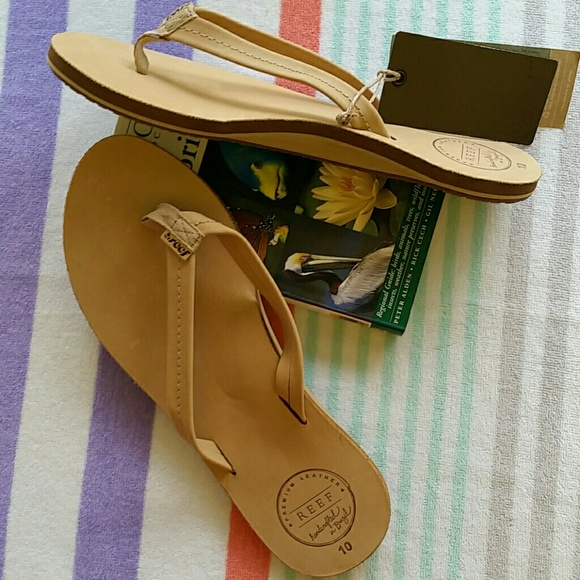 44621144f Reef women s Chill leather flip flops