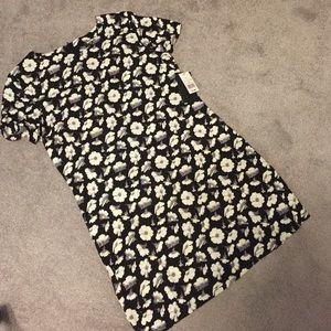 Fashion union  Dresses & Skirts - Black and white flower shift dress