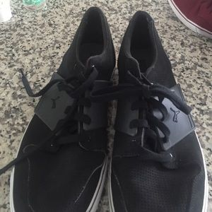 bc3d44dd1cc8 Puma Shoes - Men s puma flat bottom sneaker.
