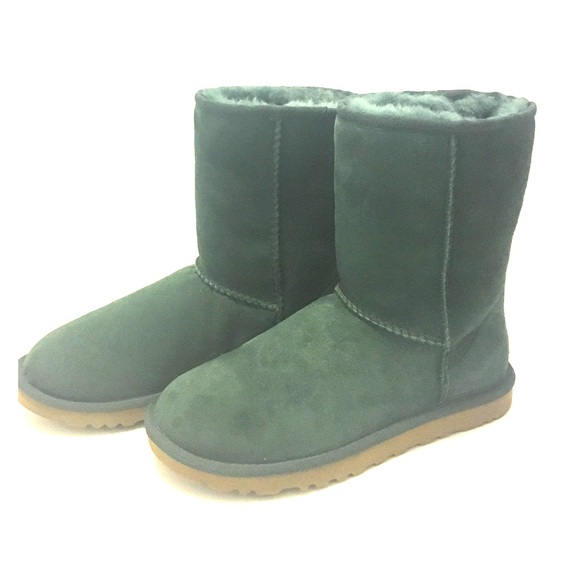 93f6b5e5212 Dark green UGGS