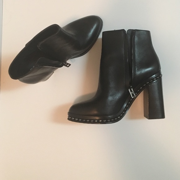 095a92be6f0 Authentic COACH Justina Booties in Black Size 6.5
