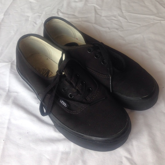 all black vans authentic