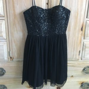 Aidan Mattox Dresses & Skirts - Strapless Sequin bustier dress