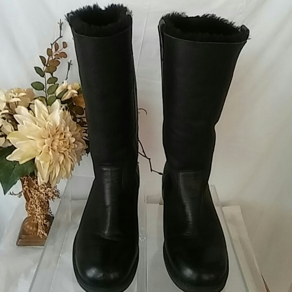 santana canada blk santana canada vermont sheepskin boots from helen 39 s closet on poshmark. Black Bedroom Furniture Sets. Home Design Ideas
