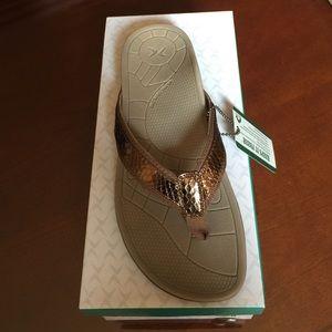 Aetrex Shoes - NWT & Box- Aetrex Sporty Thong