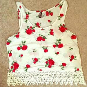 Cute Rose print crop top!
