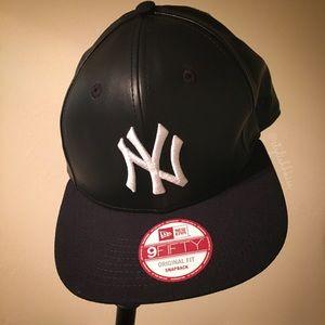 online retailer 916ac ce0b2 New Era Accessories - Black leather NY Yankees Cap