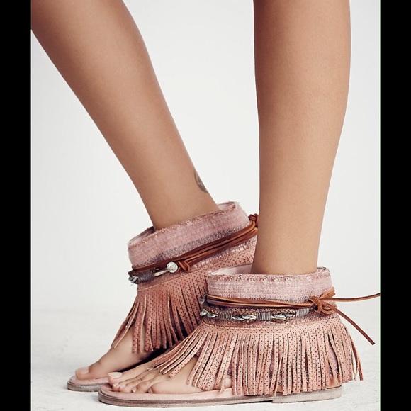 68745c4dbf2 Free People Wonderland Leather Fringe Sandals Rose